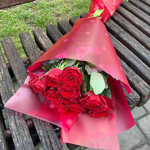 11 красных роз букет С тобой