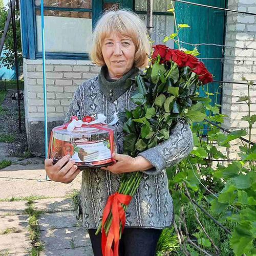 букет из 11 высоких роз