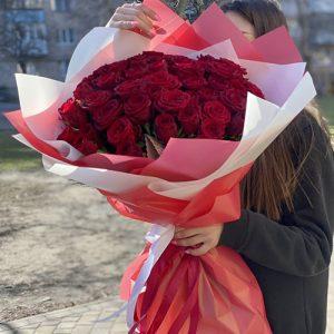 Букет 51 красная роза на день рождения
