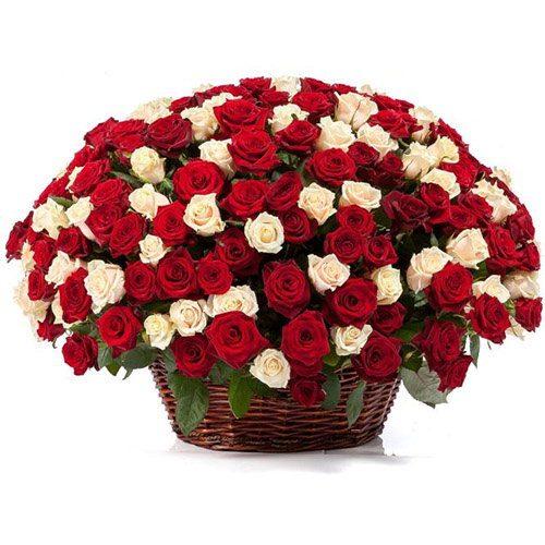 Фото товара 101 роза микс в корзине в Покровске