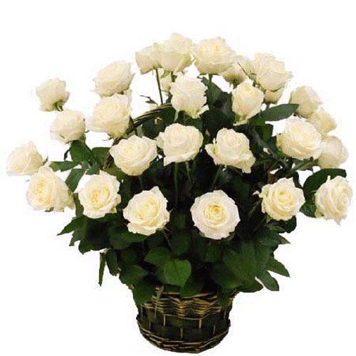 Фото товара 35 белых роз в корзине в Покровске
