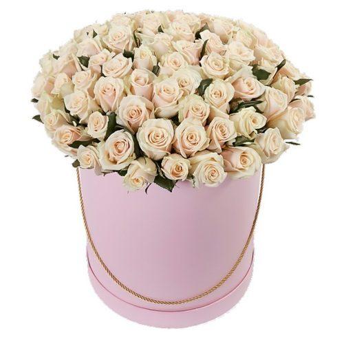 Фото товара 101 кремовая роза в шляпной коробке в Покровске