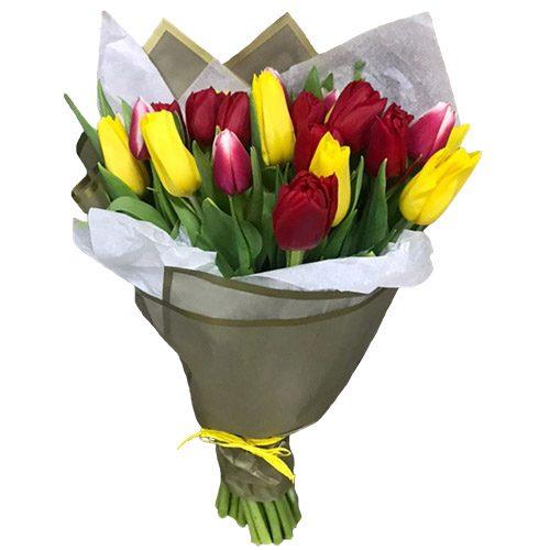 Фото товара 21 красно-жёлтый тюльпан в двойной упаковке в Покровске