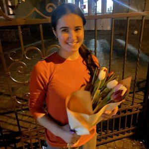 фото букет разноцветных тюльпанов