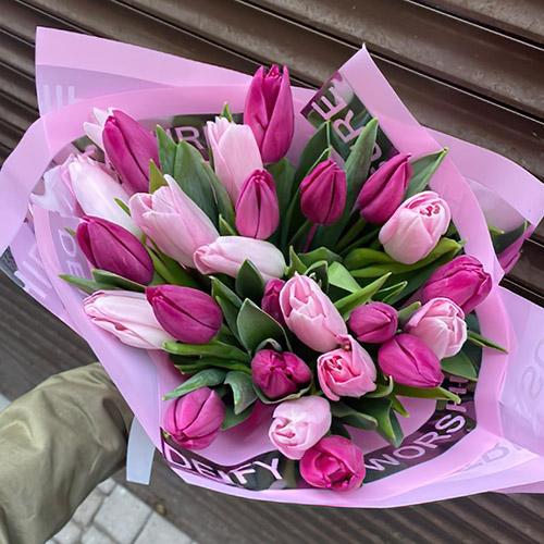 Букет розовых тюльпанов фото